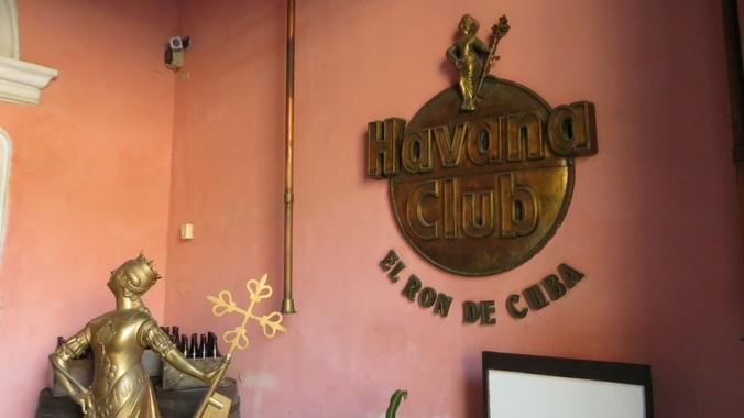 Das Logo von Havanna Club im Rum Museum