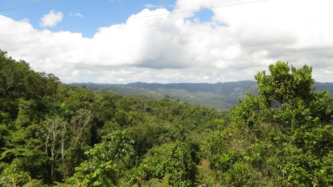 Atemberaubende Aussicht auf der Fahrt von Santa Clara nach Trinidad auf Kuba