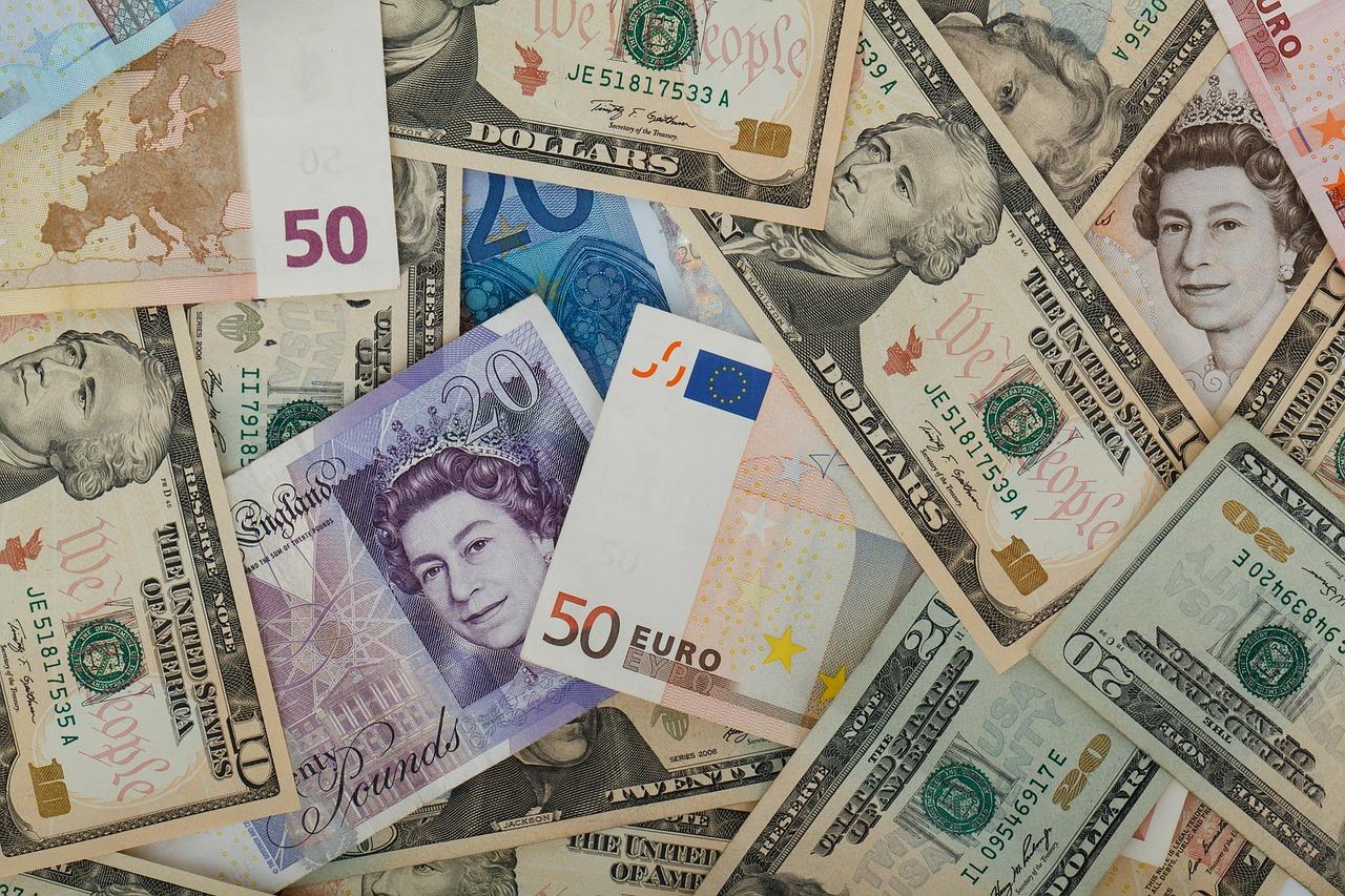 Verschiedene Geldscheine