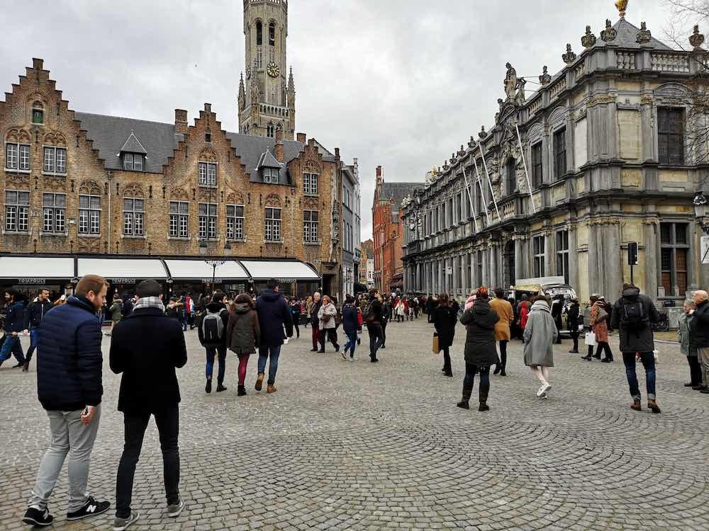 Viele Touristen am Burgplatz
