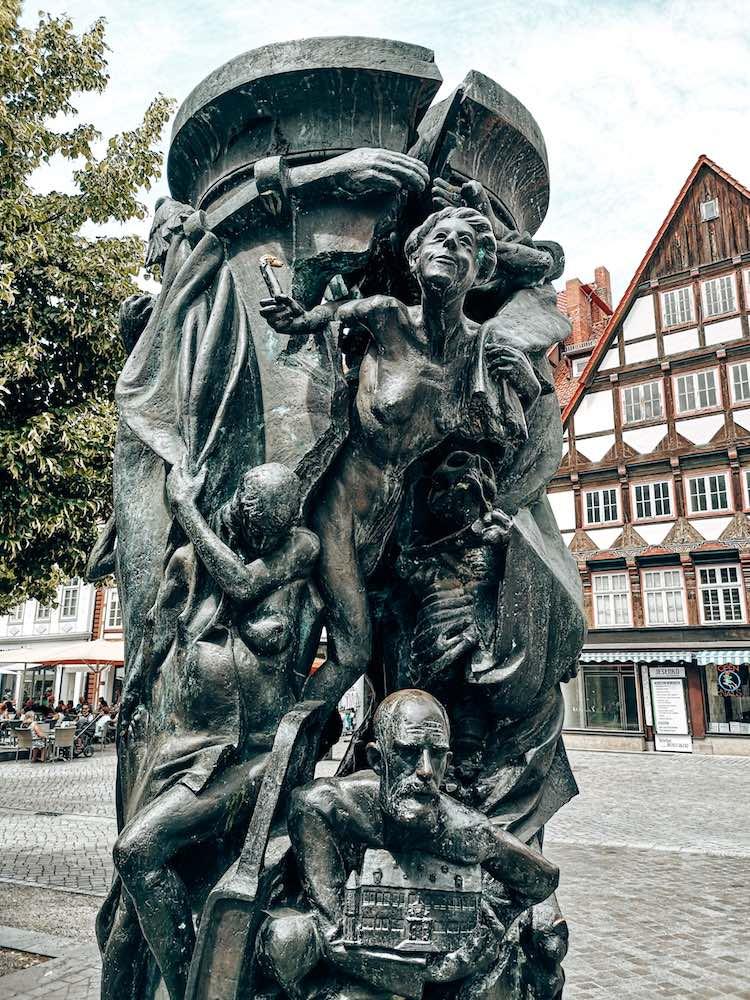 Statue am Pferdemarkt